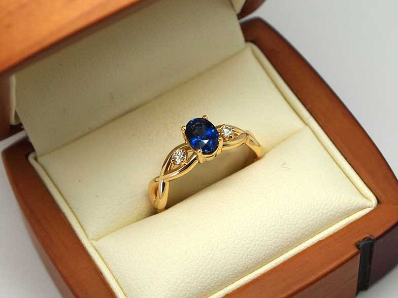 18kt yellow gold sapphire and diamond engagement ring