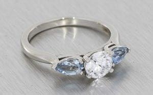 3 stone aquamarine engagement ring - Portfolio
