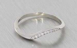 Contoured fitted diamond wedding band - Portfolio