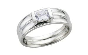Contemporary white sapphire ring - Portfolio