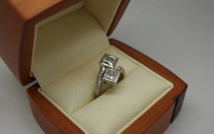 Beautiful bezel set princess cut diamond bypass ring - Portfolio
