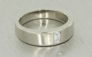 Gents Diamond Platinum Ring
