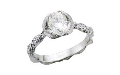 Custom Engagement Ring Design Tips to Make Your Diamond Look Bigger